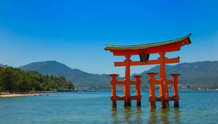 Itsukushima_Miyajima_01
