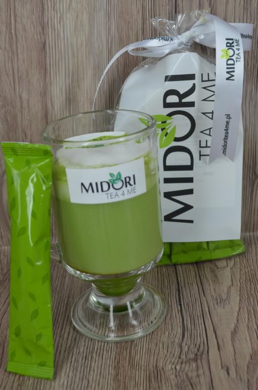 matcha cappucino, napój na bazie zielonej herbaty