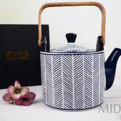Imbryk Bleu De'NImes, porcelana japońska, ceramika japońska, japońska ceramika,