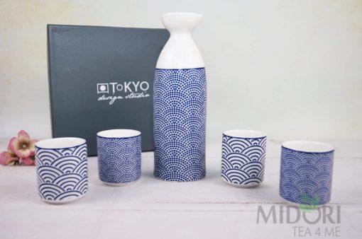 Nippon Blue Sake Set, Komplet do Sake Tokyo Design Studio, zestaw prezentowy, japoński prezent, pomysł na prezent, prezent porcelana, zestaw prezentowy, prezent dl achłopaka, prezent dla dziewczyny