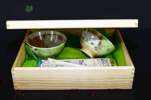 zestaw prezentowy dla dziecka, prezent dla dziecka, japoński prezent, prezent z Japonii, miseczki na prezent, Japoński zestaw z ceramiką