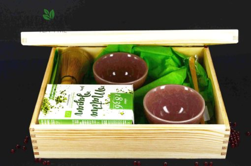zestaw prezentowy, zestaw prezentowy z ceramiką, zestaw prezentowy z herbatą, prezent dla mamy, prezent na dzień matki, czarki na prezent