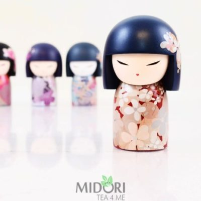 japońska lalka kokeshi beni, Kokeshi Beni, laleczka japońska, japońska lalka na prezent, kimmidoll, japoński prezent, Japońska lalka Kokeshi Beni