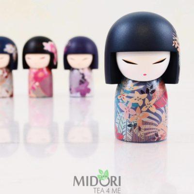 Japońska laleczka Kana, orientalny prezent, japońska lalka, japoński prezent, laleczka japońska, orientalny prezent, pomysł na prezent, japoński sklep