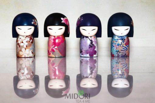 japońska lalka kokeshi beni, Kokeshi Beni, laleczka japońska, japońska lalka na prezent, kimmidoll, japoński prezent