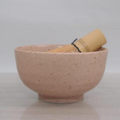 miska do matcha, japońska miska do herbaty matcha, czarka do matcha rozowa , czarka do ceremonii przygotowania herbaty matcha, akseroria do matcha (4)